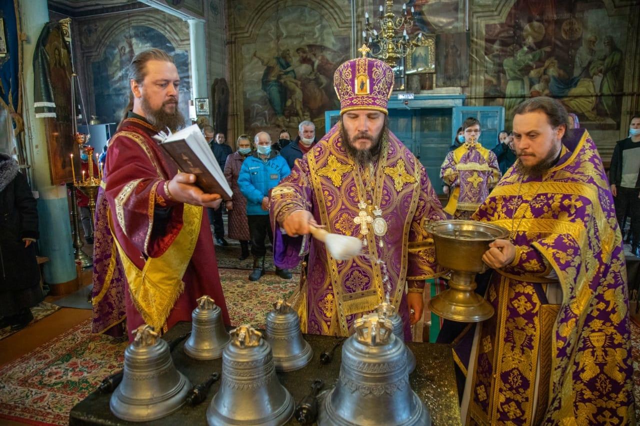 Церковь обрела колокола